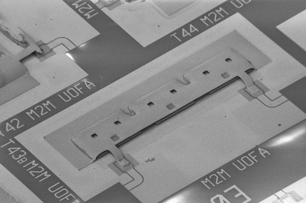 Miniaturized folded half-mode integrated waveguide cavity three-pole bandpass filter for 5G millimeter-wave communication systems in W-Band - Tom Jones, Daneshmand group (U Alberta Electrical & Computer Engineering)